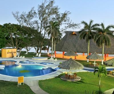 Swimming pool Terranova Hotel